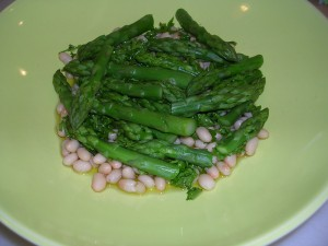 cooked asparagus in a plate